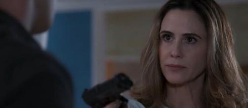 """Guilhermina Guinle interpreta a advogada bandida Dominique em """"Salve-se Quem Puder"""", da Globo. (Reprodução/TV Globo)"""