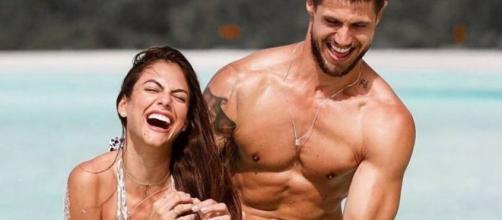 Jonas e Mari Gonzalez são noivos e sucesso no Instagram. (Arquivo Blasting News)