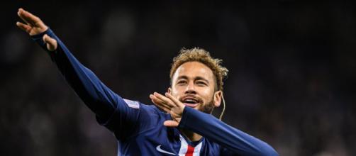 Neymar esteve fora de partidas dos seus clubes por cinco anos consecutivos no dia de aniversário de sua irmã. (Arquivo Blasting News)