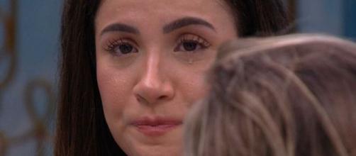 Bianca disse estar sentindo-se mal após ouvir as revelações dos novos brothers. (Reprodução/TV Globo)