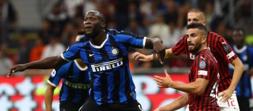 Lukaku in azione nel derby d'andata vinto 2-0 dall'Inter.