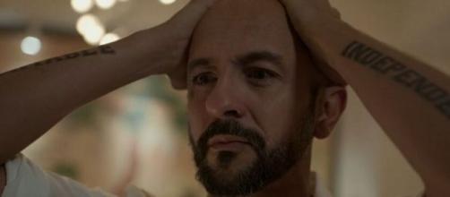 Álvaro sofre com derrocada em 'Amor de Mãe'. (Reprodução/TV Globo)