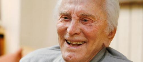 Diretor Kirk Douglas falece com seus 103 anos de idade. (Arquivo Blasting News)