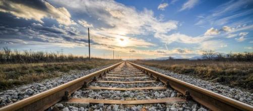 Ferrovie dello Stato assume 5 tecnici con diploma e patente B.