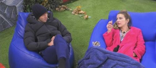 GF, Clizia ammette l'interesse per Paolo.