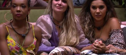 Gizelly confessa temer dizer que ama Marcela. (Arquivo Blasting News)