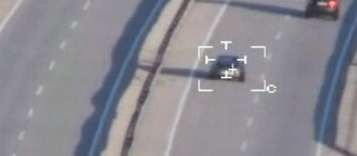 Helicóptero de la DGT cazando a un coche
