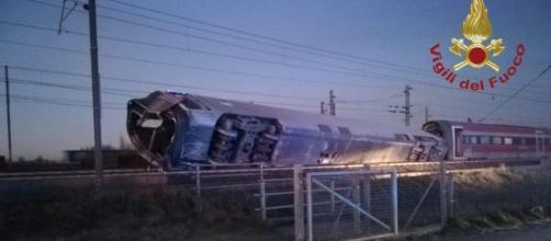 Lodi, deraglia treno Frecciarossa, due morti e 28 feriti