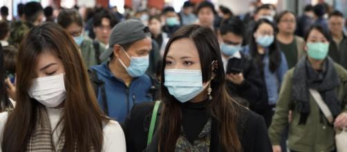 Los chinos padecen graves consecuencias sanitarias por la propagación del Coronavirus. - poynter.org