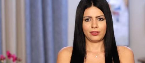 '90 Day Fiancé' star Larissa Lima blasted rumors about her getting plastic surgery. [Image Source: TLC UK/ YouTube Screenshot]
