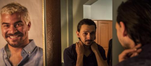 'Amor de Mãe': Elias terá uma surpresa com Ryan. (Reprodução/TV Globo)