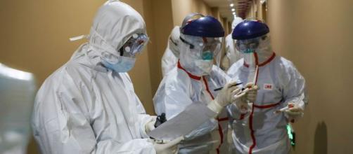 China realiza labores médicas y científicas de emergencia para combatir el Coronavirus. - prensa.com