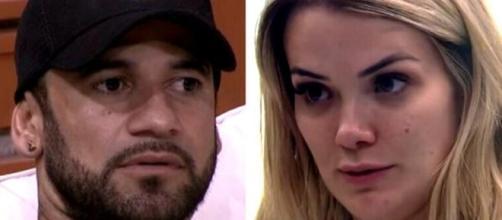 Em uma conversa entre os dois BBB Hadson acusou que a exclusão que sofreu foi racismo. (Foto: Globo).