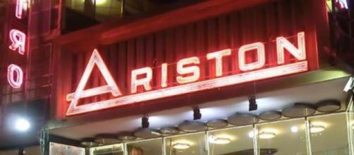 Il teatro Ariston di Sanremo dove si svolge il Festival.