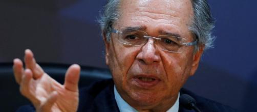 Ministro da Economia Paulo Guedes gerou polêmica ao comparar servidores públicos a parasitas. (Arquivo Blasting News)