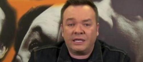 Rede TV decidiu afastar Felipeh Campos. (Arquivo Blasting News)