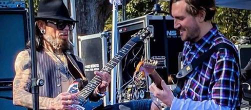 John Frusciante torna a suona sul palco insieme ai Red Hot Chili Peppers