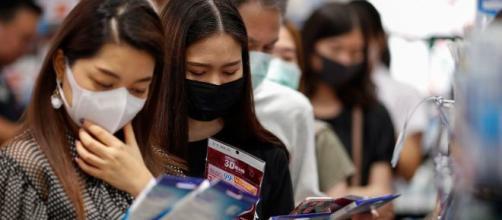 Sigue la emergencia sanitaria en China por brote de Coronavirus: más de 37.000 casos en 26 países. - rtve.es