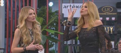 Adriana Volpe non si fida di Licia Nunez: 'Mette zizzania'.