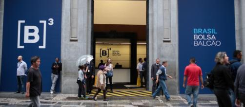 Em novo recorde, Ibovespa fecha a Bolsa de Valores acima dos 90 mil pontos pela 1ª vez após 10 anos. (Arquivo Blasting News)