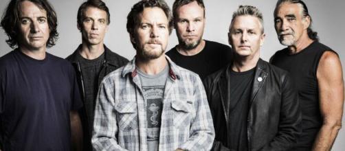 I Pearl Jam hanno deciso di posticipare il tour nordamericano a causa dell'emergenza sanitaria internazionale.