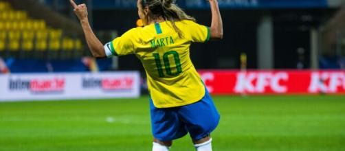 Marta encanta com pintura contra o Canadá. (Foto: A2M/CBF)