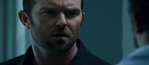 Principal ator da série 'Ponto Cego'. (Reprodução/Youtube)