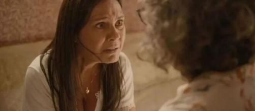 """Thelma fará revelação bombástica a Jane nesta terça (10) em """"Amor de Mãe"""". (Reprodução/TV Globo)"""