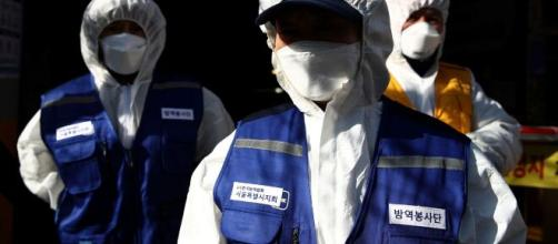 Coronavirus, l'Oms dichiara lo stato di pandemia: 'I morti saliranno ancora'