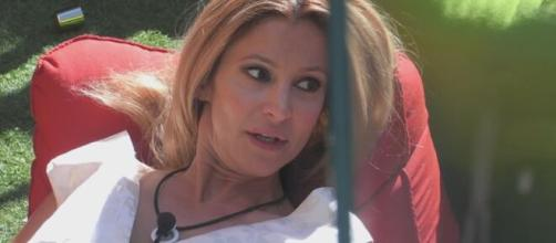 Gf Vip: Adriana pensa a come intrattenere.