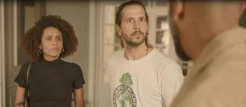 Vitória e Davi, juntos, decidem enfrentar Álvaro em 'Amor de Mãe'. (Reprodução/TV Globo)
