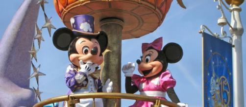 Coronavirus : Disneyland Paris interdit les parades et spectacles extérieur. Credit : Pixabay/dassel