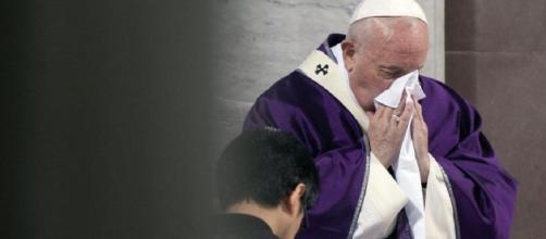 El papa Francisco se sometió a un análisis de coronavirus que dio negativo a causa de un fuerte resfrío.