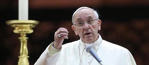Migranti: il Papa invita a non dimenticare i siriani che soffrono in Grecia e Turchia.