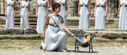 Olimpia, cerimonia di accensione della fiamma olimpica (fonte pixabay.com)