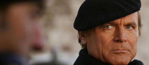 Terence Hill nei panni di Don Matteo