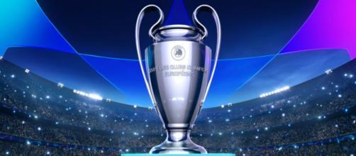 Il calcio europeo si ferma per il Coronavirus: la UEFA ha dato lo stop alle coppe (Photo credit: Everyeye Serie TV)