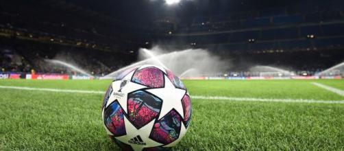 Il calcio si ferma in tutta Europa a causa del coronavirus.