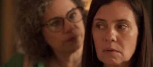 """Jane repreende Thelma em sequência exibida em """"Amor de Mãe"""". (Reprodução/TV Globo)"""