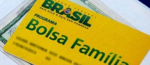 Os pagamentos do Bolsa Família são liberados em datas de acordo com o número final de cada NIS (Foto: Arquivo Blasting News).