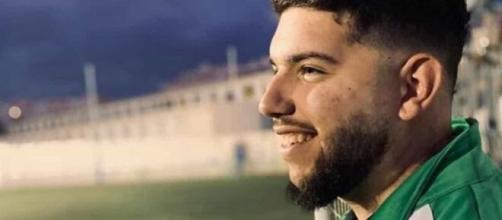 Técnico de futebol na Espanha morre aos 21, vítima de coronavírus (Arquivo Blasting News)