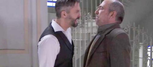 Una Vita, spoiler spagnoli: Felipe aggredisce Ramon dopo il suo ritorno ad Acacias 38.
