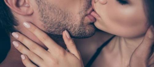 Cada signo tem uma maneira única de beijar, bem como diferentes características na hora do ato. (Arquivo Blasting News)