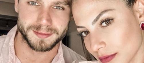 Jonas Sulzbach tranquiliza fãs após choro de preocupação de Mari Gonzalez. (Reprodução/Instagram/@jonas.mbt)