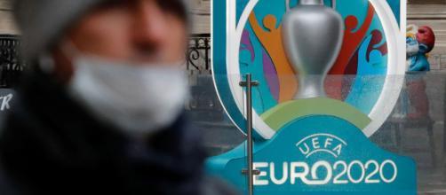 La UEFA ha decidido aplazar la Eurocopa al verano del 2021