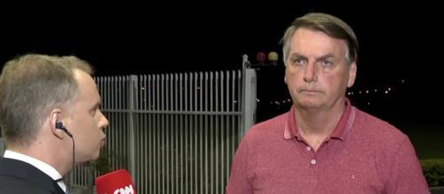 O repórter Leandro Magalhães da CNN Brasil entrevistou Jair Bolsonaro. (Reptodução/CNN)