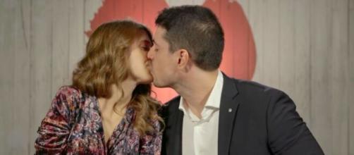 Primo Appuntamento, 10ª puntata: Marco esce con Elisa, i due si sentono regolarmente