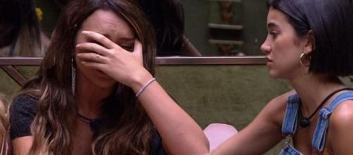 "Rafa chora no ""BBB20"" após notícia sobre o coronavírus. (Reprodução/Globo)"