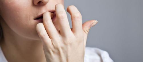 Algumas atitudes estão sempre presentes na vida de uma pessoa que sofre com ansiedade. (Arquivo Blasting News)