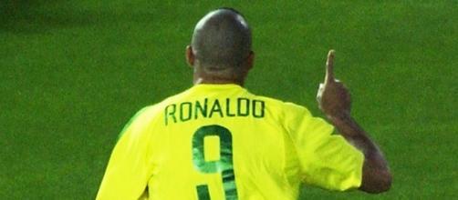 Ao lado de Rivaldo, Ronaldo foi o grande nome do Brasil na Copa do Mundo de 2002. (Arquivo Blasting News)